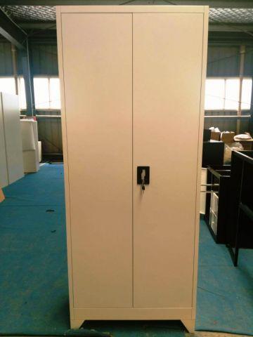 """ארון מתכת 2 דלתות תליה ומדפים  מנעול ..מחיצה רוחב 80 ס""""מ"""