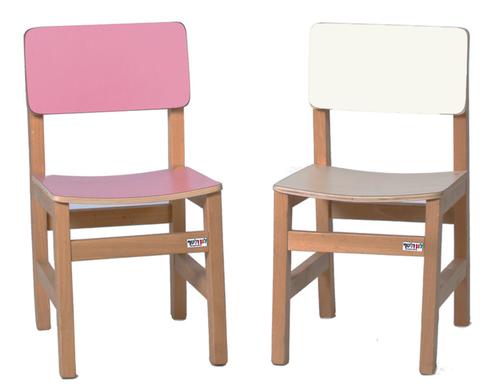 כסא עץ