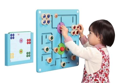 משחק קיר-התאמת צבעים
